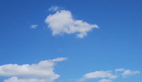 綺麗な空の雲は何に見える?