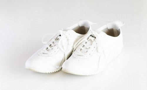 母への運動靴