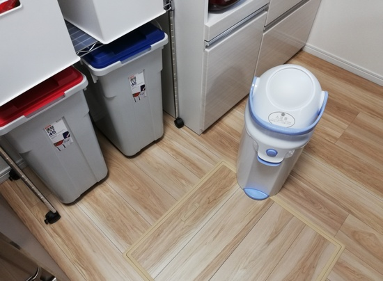 部屋にあるゴミ箱