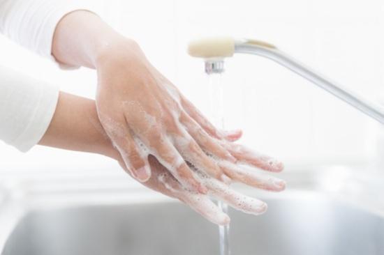 胸筋の筋肉痛実感手洗い