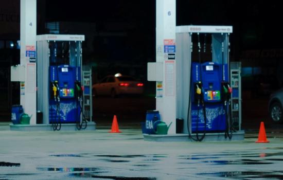 セルフスタンド 燃料間違い