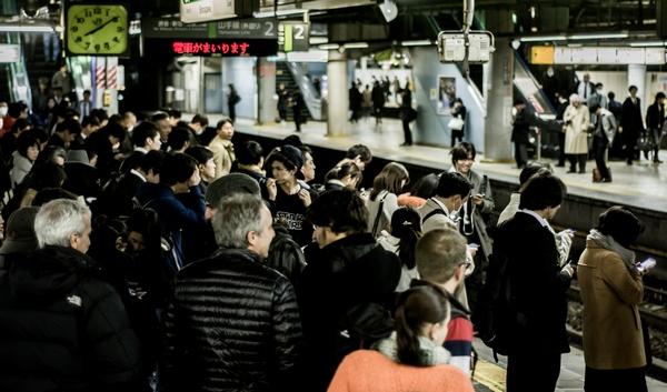 電車の遅延でクレーム