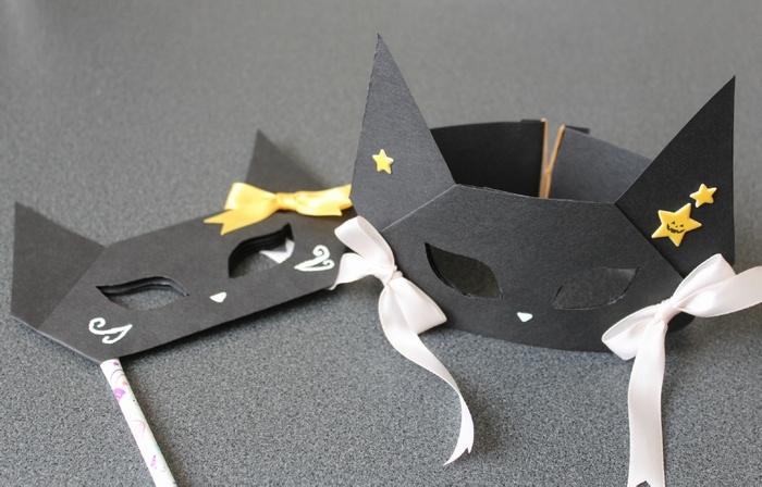 黒猫のお面と手持ちタイプの完成