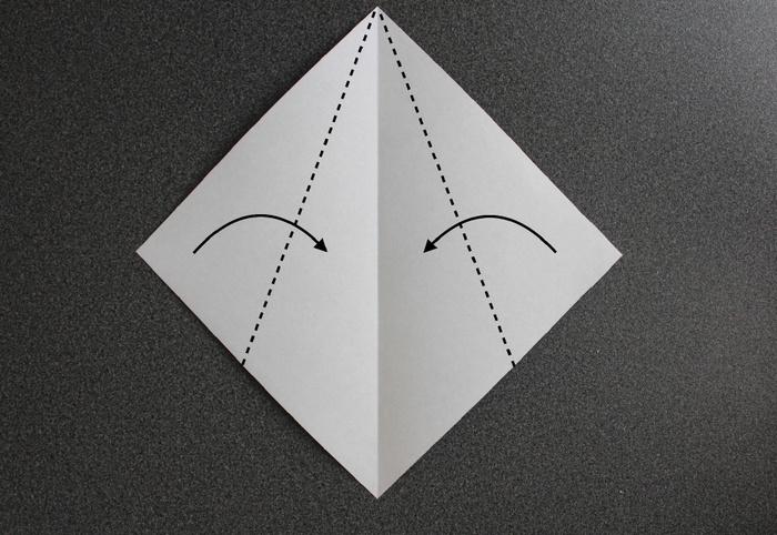 折り紙で帽子の作り方2
