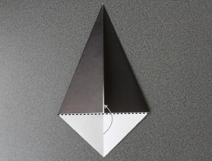折り紙で帽子の作り方3