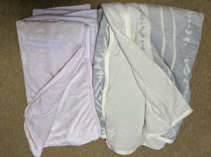 ニトリ毛布2枚もってます!
