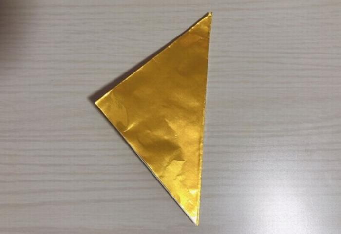 金や銀色の折り紙は少し難しい
