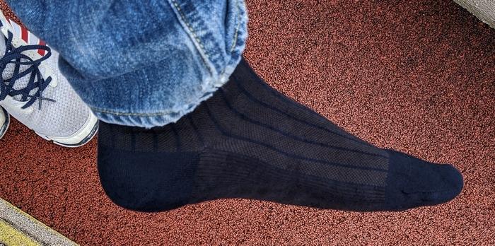 綿麻の靴下で歩いてる時の足の汗